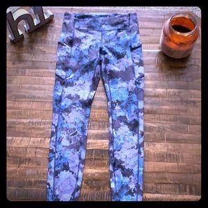 🌸 Lululemon leggings Size 6 🌸
